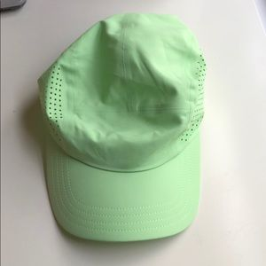 athleta distance laser cap